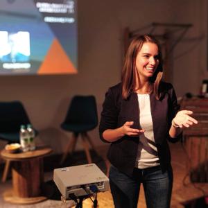 Katharina Reimann moderation meetup